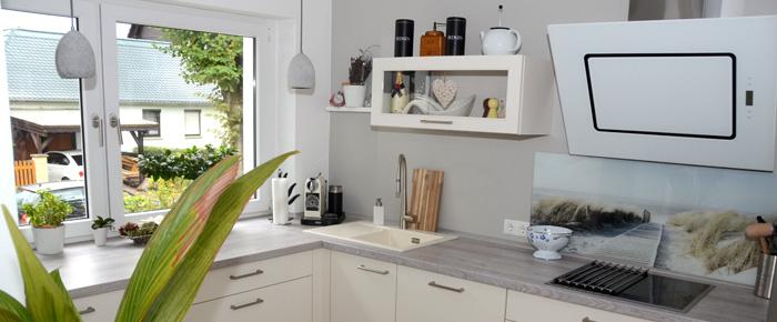 nat rlich wohnen in l ndlicher idylle unterm dach. Black Bedroom Furniture Sets. Home Design Ideas