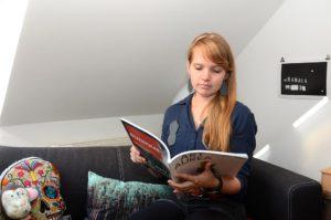Bei Kunststudentin Sandy daheim (Foto: Regina Katzer)