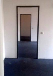 Vorher: Teppichböden vorm Umbau (Foto: privat)
