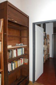 Nachher: Natur-Steinholz-Böden in der ganzen Wohnung (Foto: Regina Katzer)