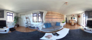 Blick in Tinas Wohnzimmer (Panorama: Regina Katzer)