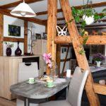 Hausbesuch bei Gertrud auf dem Generationenhof (Foto: Regina Katzer)